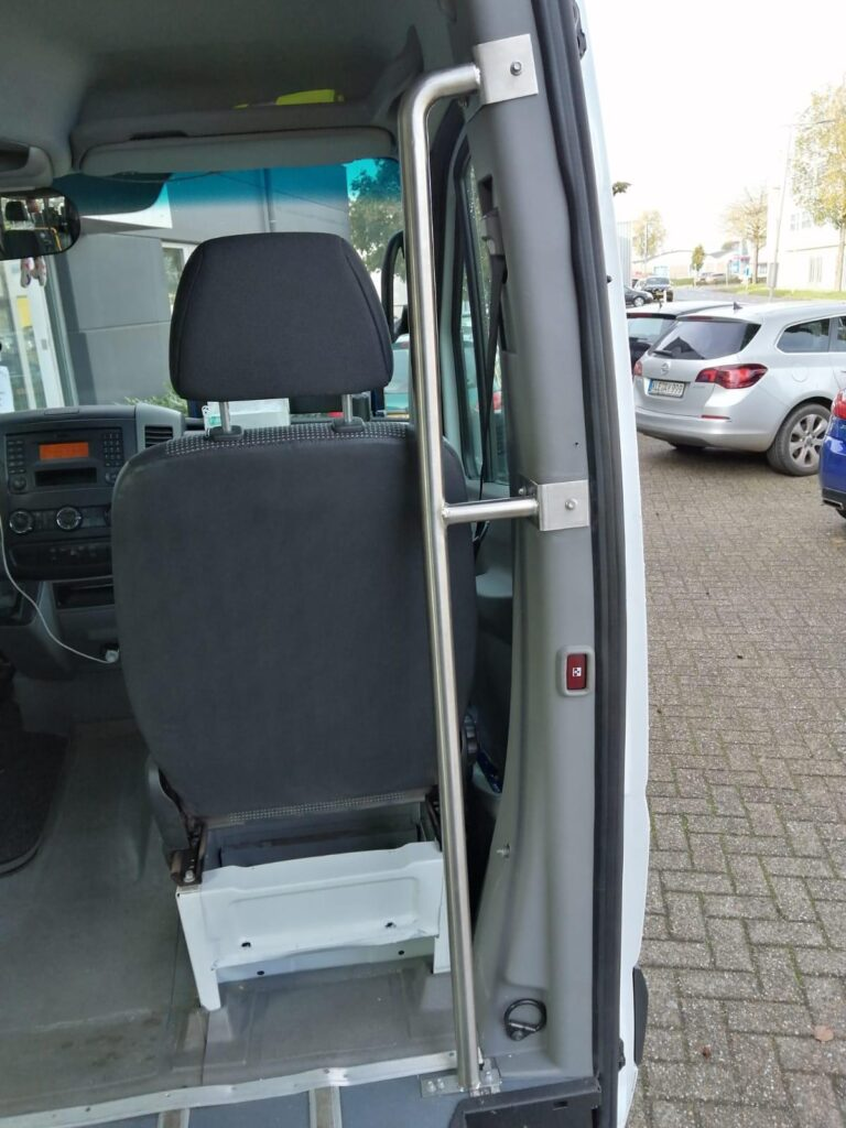 Rvs leuning bus